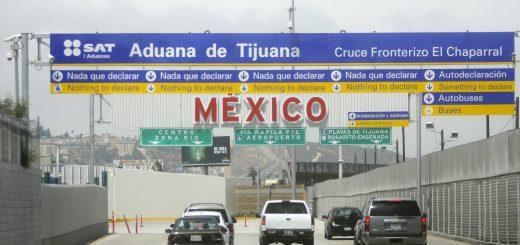 Picture of el chaparral crossing in Tijuana, Mexico.